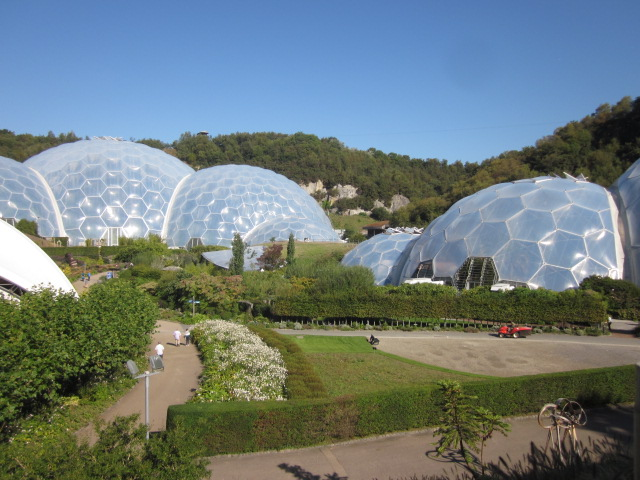 biome eden project cornwall